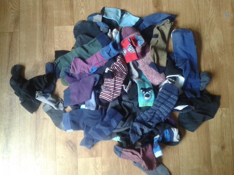 have you ever seen such a huge odd sock pile!!!!!