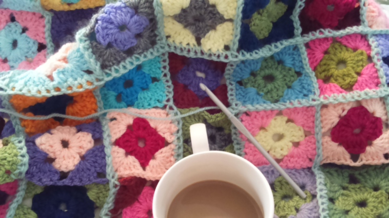 crochet granny squareblanket with bobble edging