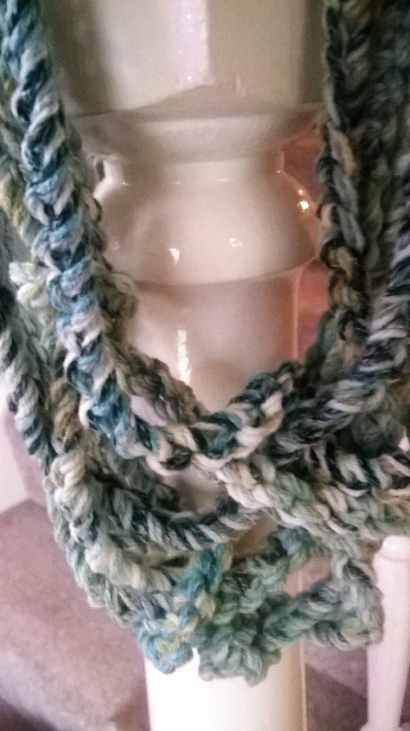 Chain reaction necklace scarf