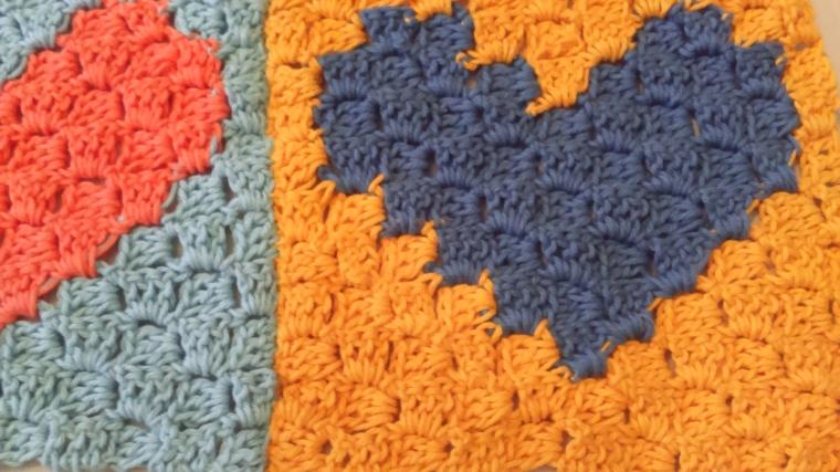C2C crochet hearts