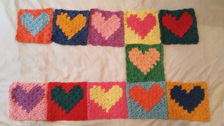 C2C crochet love hearts