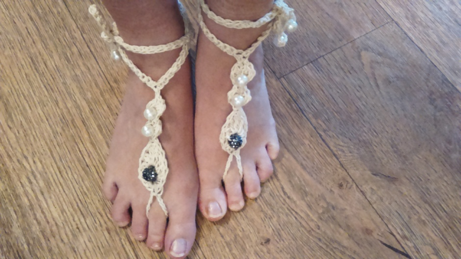 crochet barefeet sandals designed by yarnyrobin Aug 2017