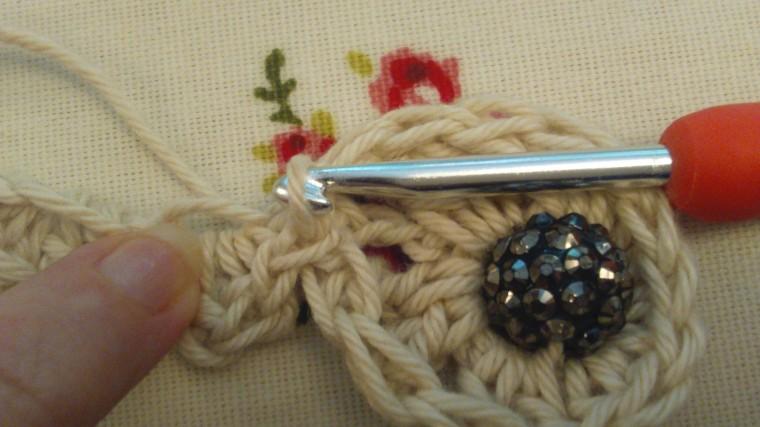 Crochet barefoot sandal, a free pattern by ayarnyrobin