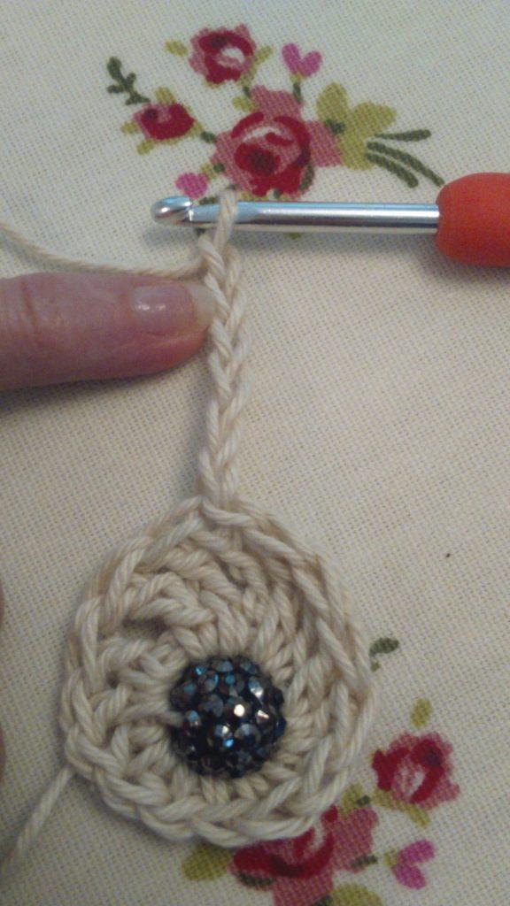 crochet barefoot sandal free pattern at ayarnyrobin