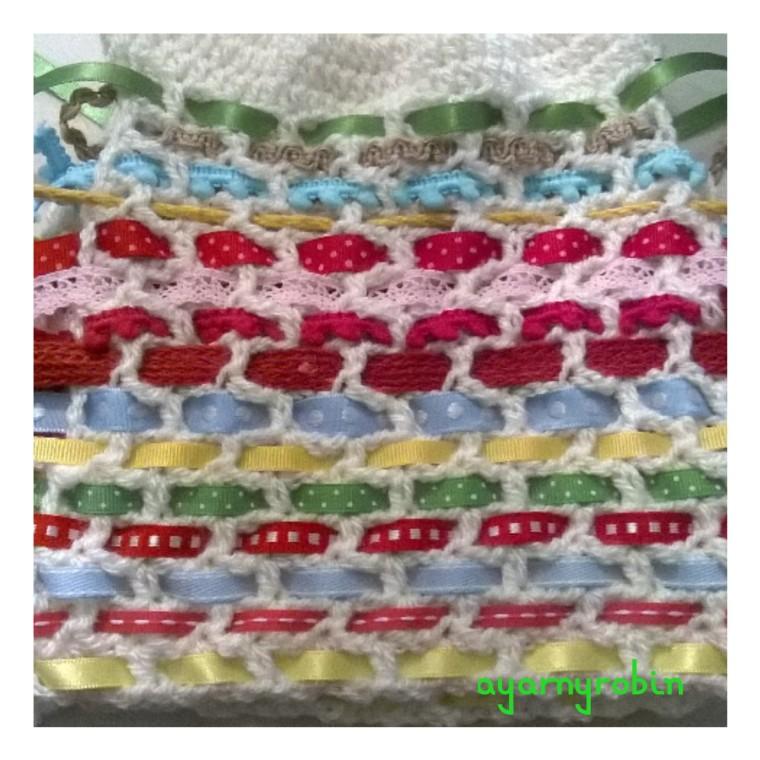 crochet tea cosy pattern available at ayarnyrobin