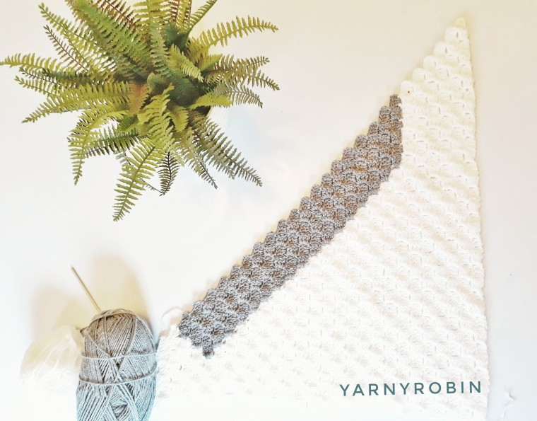 baby blanket greyand white