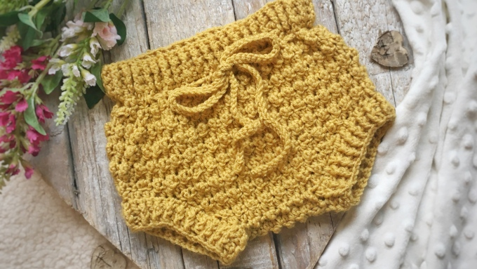 baby shorts, bloomers